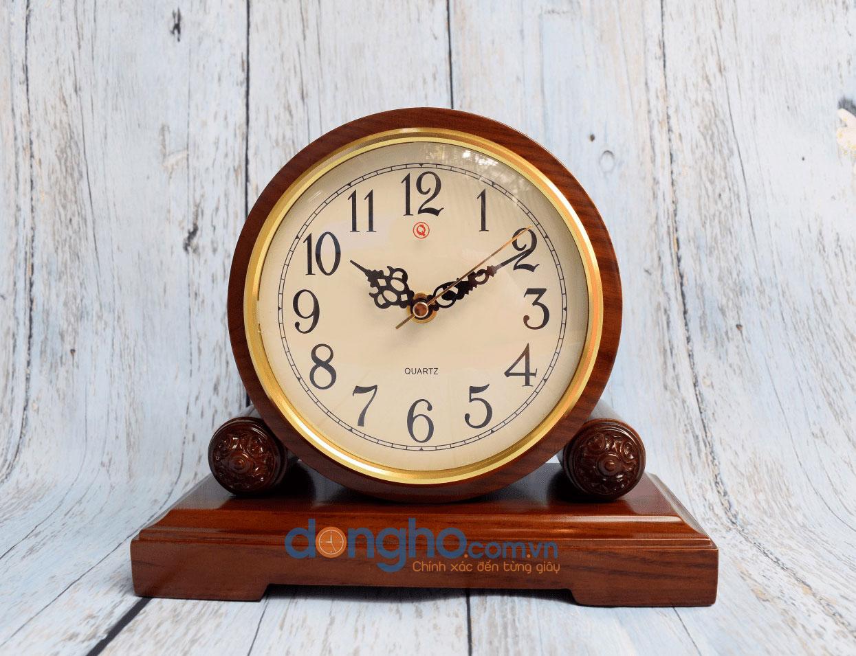 Đồng hồ để bàn HM18